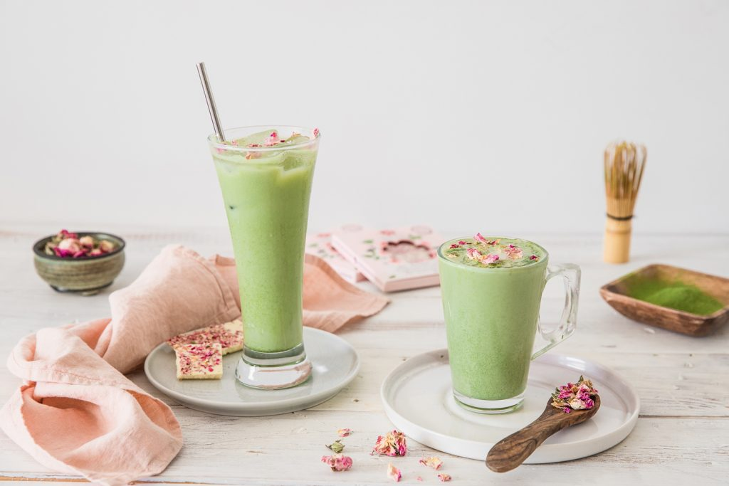 White chocolate with rose and matcha drink