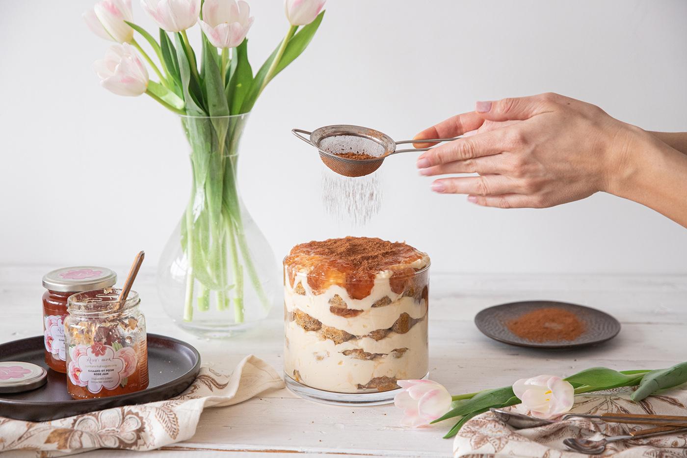Rose-flavoured tiramisu