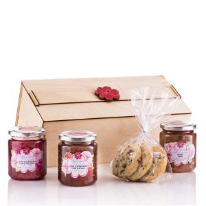Roseys mark gift box with rose jam and cookies