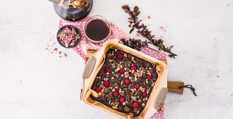 Vegan rose raspberry brownie cover recipe